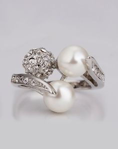 Silver Plated Double Pearls Curved CZ Ring