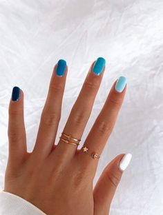 In seek out some nail designs and ideas for your nails? Here's our listing of must-try coffin acrylic nails for modern women. Aycrlic Nails, Easy Nails, Hair And Nails, Glitter Nails, Blue Gel Nails, Pastel Nails, Short Gel Nails, Simple Gel Nails, Coffin Nails