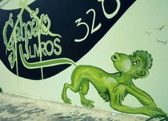 Cada macaco no seu rabo! Sebo Galpão, Barão Geraldo - Campinas - SP, Bruna Rizzotto com Ananda Marchetti Ferreira.