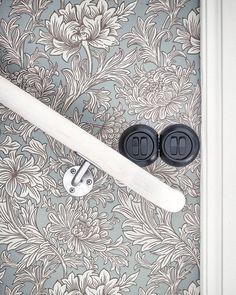 @lenalidman85 It's all in the details  lenalidman85 #schneider_electric #renova #williammorris #coloramaumea #hall
