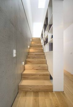 Wood Architecture Semi-detached house B – Munich architecture Interior Stairs, Home Interior Design, Interior And Exterior, Modern Staircase, Staircase Design, Semi Detached, Detached House, Wood Architecture, House Stairs