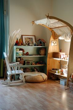 15 Waldorf Inspired Play Areas – The Blossoming Home Deco Kids, Kid Spaces, Play Spaces, Kids Decor, Kids Bedroom, Bedroom Decor, Room Inspiration, Sweet Home, House Design