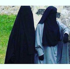 Two Fully Veiled Ukhti