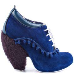 Uh-ah, no way; you lost me at the heels.