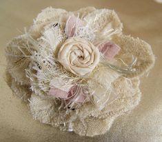 ** Make Shabby Fabric Flower's Cloth Flowers, Burlap Flowers, Lace Flowers, Felt Flowers, Fabric Flowers, Beautiful Flowers, Beautiful Pictures, Flores Shabby Chic, Shabby Chic Flowers