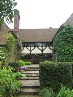 View of jettied half-timbered passage from front to back wing of house Castle Drogo, Edwin Lutyens, Aesthetic Movement, Victorian Art, Romanesque, Traditional House, Garden Inspiration, Old Houses, Beautiful Homes