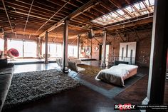 MAGNUS WALKER: THE LOFT
