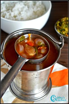 Vengaya Rasam is a rasam made using shallots, tomato and rasam powder. The flavor of small onion is unique and adds very good taste to the rasam. Serve Vengaya rasam with hot rice and any stir-fry vegetables. Veg Recipes Of India, Indian Veg Recipes, Lentil Recipes, Stuffed Pepper Soup, Stuffed Peppers, Sambhar Recipe, Idli Sambar, Indian Soup, Iranian Cuisine