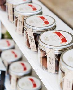 ¡¡Los chocolates y dulces son aún más apetecibles presentados tan bonitos!!✨😍 ¡¡Quién pillara uno ahora mismo!!😋 Trabajazo como siempre perfecto de @hiphiphurray_thepartymakers  #thisiskool #fiestasinfantiles #tarroschuches #detallesinvitados #kidsparty #primeracomunion #comunion Chocolates, Custom Stamps, Candies, Initials, Parties Kids, Invitations, Schokolade, Chocolate