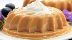 1 envelope de gelatina incolor sem sabor (12g) 1 lata de leite condensado 1 e ½ xícara (chá) de leite 1 colher (chá) de essência de baunilha Chantilly para decorar Comentários comments