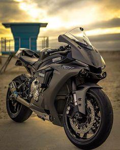 Yamaha R1 Yamaha R1, Yamaha Motorcycles, Honda Cb750, R1 Bike, Moto Bike, Motorcycle Bike, Custom Sport Bikes, Custom Cars, Auto Motor Sport