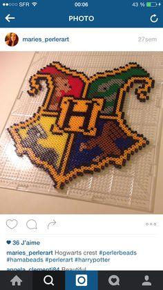 Harty potter perler beads Pony Bead Patterns, Pearler Bead Patterns, Perler Patterns, Pearler Beads, Beading Patterns, Logo Harry Potter, Harry Potter Perler Beads, Fusion Beads, Iron Beads