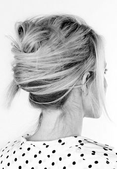 The Tousled French Twist - Hairstyles That Look Better On Messy/ Dirty Hair Messy French Twists, French Twist Hair, French Braid, Modern French Twists, French Style, Twist Hairstyles, Pretty Hairstyles, 1920s Hairstyles, Hairstyles 2016