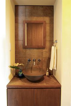 Bathroom Vanities - update your bathroom Washroom Design, Toilet Design, Bathroom Interior Design, Pinterest Room Decor, Sweet Home Design, Washbasin Design, Home Design Living Room, Bedroom False Ceiling Design, Kitchen Cabinets Decor