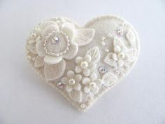 Gift present with felt: embroidery sewing | make handmade, crochet, craft. Can be done with paper for scrapbook layout.
