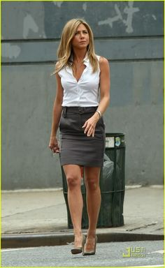 I'd like to look like this for work! Jennifer Aniston smart.