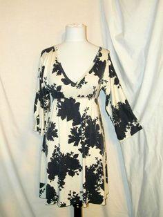 Sz XS Splurge Navy White Floral Sheath Dress V Neck 3/4 Sleeves Elastic WaistPol #Splurge #Sheath #Casual