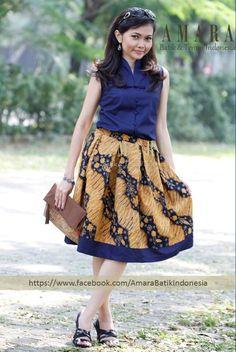 Batik tulis sogan lawas in flare skirt