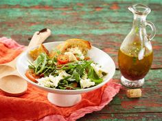 Italialainen öljykastike No Salt Recipes, Dip Recipes, Sauce Recipes, Fresh Rolls, Preserves, Pesto, Tacos, Chicken, Ethnic Recipes