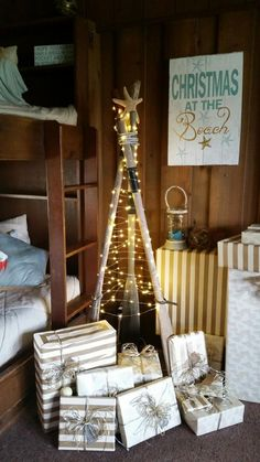 We really love the creativity of our customers! Julie made a Christmas tree of boat oars, lit up by our 50 foot fairy lights. Très Shoreline Chic!