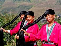 Il primato delle donne con i capelli più lunghi appartiene alle donne Yao di un antico villaggio cinese. Per avere capelli come questi basta lavarli con questo prezioso ingrediente.