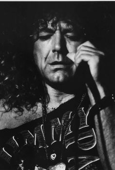 Robert Plant Wearing Jimmy Page T-Shirts On Tour - Photos - Led ...