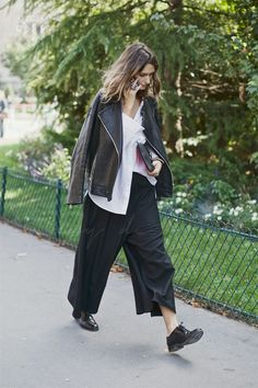 Paris Fashion Week 2015 S/S  | Street Style | Monochrome | Leather Jacket | Wide Leg Trouser | Effortless | HarperandHarley