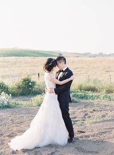 A Radiant Field of Dreams | Glow | Real Couples | Wedding | Intimate | Cozy | Shining | http://brideandbreakfast.hk/2016/11/21/a-radiant-field-of-dreams/