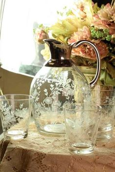 ETCHED GLASS JUICE SET