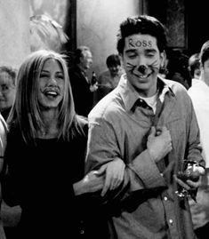 40 Best Would You Rather Questions to Reveal More About Your Friends - ZestVine Friends Best Moments, Tv: Friends, Serie Friends, Friends Scenes, Friends Episodes, Friends Cast, Chandler Friends, Frases Friends, Friends Tv Quotes