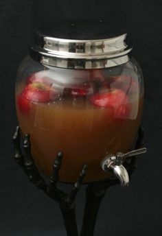 Spooky Spiced Cider by onecharmingparty: Serve it up with cinamon stick stirrers, red hots and gingersnaps! Here is the link for the Skeleton Hand Drink Dispenser. Halloween Dinner, Halloween Drinks, Holidays Halloween, Halloween Party, Halloween Stuff, Halloween Treats, Spiced Apple Cider, Spiced Apples, Holiday Treats