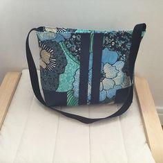 @barbaracostey sur Instagram: Voici mon dernier sac «Alex» de @patrons_sacotin #sacôtinaddict . Un petit côté printanier avec ce tissu fleuri. Facile à réaliser…