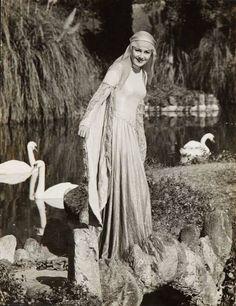 Olivia de Havilland - 'The Adventures of Robin Hood' (1938) via Cinema Classico