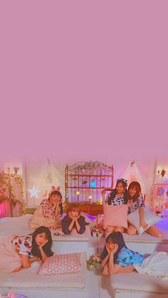 Wallpaper Lockscreen, Pastel Wallpaper, Lock Screen Wallpaper, Kpop Girl Groups, Kpop Girls, Gfriend Yuju, G Friend, Kpop Aesthetic, Good Old