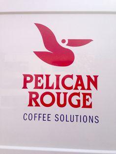 Le chouette logo d'une entreprise qui fournit et remplit les distributeurs de café des hôpitaux.  C'est juste dommage qu'il manque l'accent et que le slogan soit en anglais...