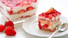 Fresh Strawberry Desserts, Strawberry Tiramisu, Strawberry Pretzel Salad, Tiramisu Recipe Without Eggs, Best Tiramisu Recipe, Dessert Salads, Dessert Recipes, Baked Strawberries, Homemade Whipped Cream