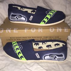 Seattle Seahawks Toms custom Airbrushed FREE SHIPPING!!!