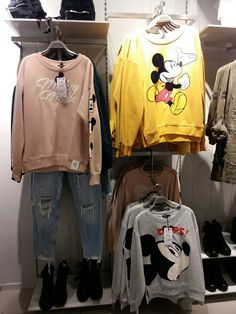 Baby..see this sweater that time I see in shopping mall 😍