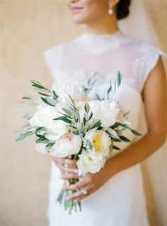 Photography : André Teixeira, Brancoprata | Floral Design : Of The Flowers Read More on SMP: http://www.stylemepretty.com/2017/01/11/real-bride-inspired-by-grace-kelly/