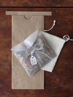 super pretty and fun wedding favor idea - make your own custom tea blends