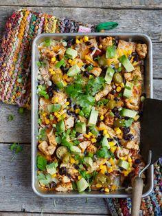 Gratinerte nachos med kylling Nachos, Spicy Salsa, Tex Mex, Kung Pao Chicken, Food And Drink, Ethnic Recipes, Blogging, Tortilla Chips, Hot Sauce