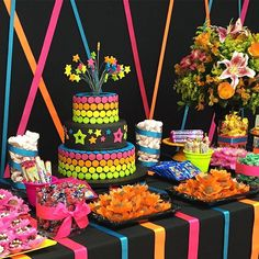 Neon Birthday, 13th Birthday Parties, Birthday Party For Teens, 16th Birthday, Glow In Dark Party, Glow Party, Disco Party, Dance Party Decorations, Karaoke Party