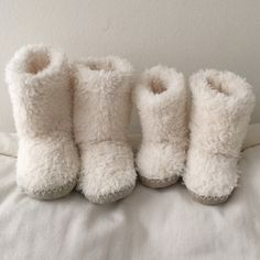 Pottery Barn Kids slipper Boots Pottery Barn Kids Winter slipper boots, Large and Small. In excellent condition. Tags for the small size are gone. Small size will probably fit 2-3yrs old and large size is like size 3-4 size kids. Warm and cozy. Pottery Barn Shoes