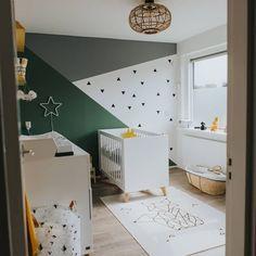 #kinderkamer #babykamer #trend #interieur #slaapkamer #behang #kleurvlakken #groen