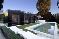 Architecture, Glass Prefab Homes Modular Design Good Large Long Swimming Pool Good White Color Pool Nice Green Color Plants Good Small House: Unique Picture Of Contemporary Modular Home Designs That Looks Amazing Modern Prefab Homes, Prefabricated Houses, Modular Homes, Glass House Design, Unique House Design, Modular Home Designs, Modular Design, M16, Mirror House