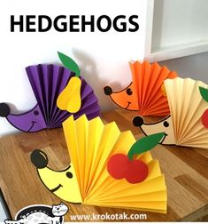 ❤ Paper rosette hedgehog - easy fall paper craft for kids ❤Mindy - craft idea & DIY tutorial collection Fall Paper Crafts, Paper Crafts Origami, Autumn Crafts, Holiday Crafts, Oragami, Bunny Crafts, Easter Crafts, Creative Crafts, Dyi Crafts
