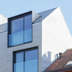 Bas Wauman Architectenbureau Architecture Windows, Architecture Details, Facade Design, House Design, Modern Townhouse, Mansard Roof, Student House, Dormer Windows, Roof Window