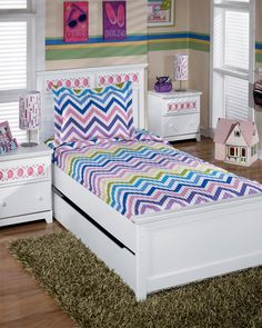 Girls Bed Quilt Sets | Zig Zag Rainbow colored striped quilt for girls