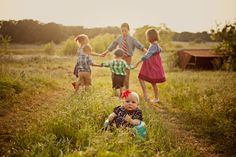 40+ Simple Family Photography Ideas | AntsMagazine.Com