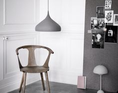 Závěsná lampa Spinning BH2 od AndTradition, šedý mat | DesignVille